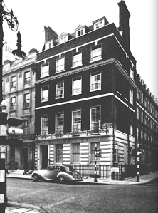 91 Harley Street. At left, the chauffeur keeps the Bentley engine running, ready to take the consultant to the golf course or the bordello at any time of the day