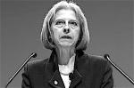 Theresa May: sinds 11 mei 2010 is zij minister van Binnenlandse Zaken. De rellen in Engeland in 2011 waren gewelddadige confrontaties tussen honderden, vooral jeugdige, relschoppers en de Engelse politie. Ze begonnen op 6 augustus 2011 in Tottenham in Noord-Londen en verspreidden zich later naar andere wijken en steden, waaronder Birmingham, Manchester, Liverpool, Nottingham, Bristol en Medway